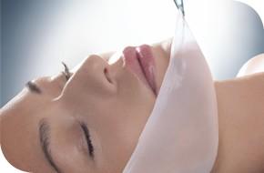 蠶 絲 特 效 保 濕 療 程